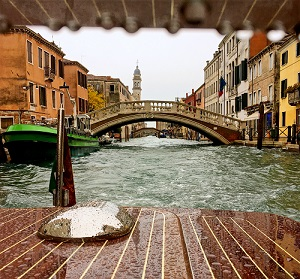 Photo of a bridge in Italy