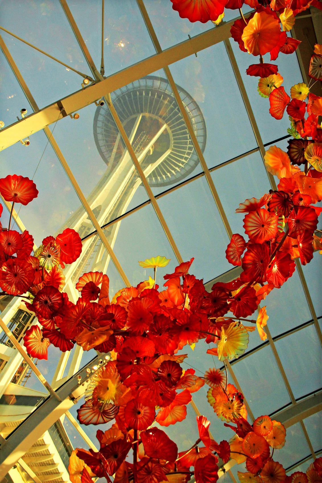 Photo of Space Needle and Chihuly glass sculpture by Ning Zhou (Chihuly Glass Museum, Seattle, WA)