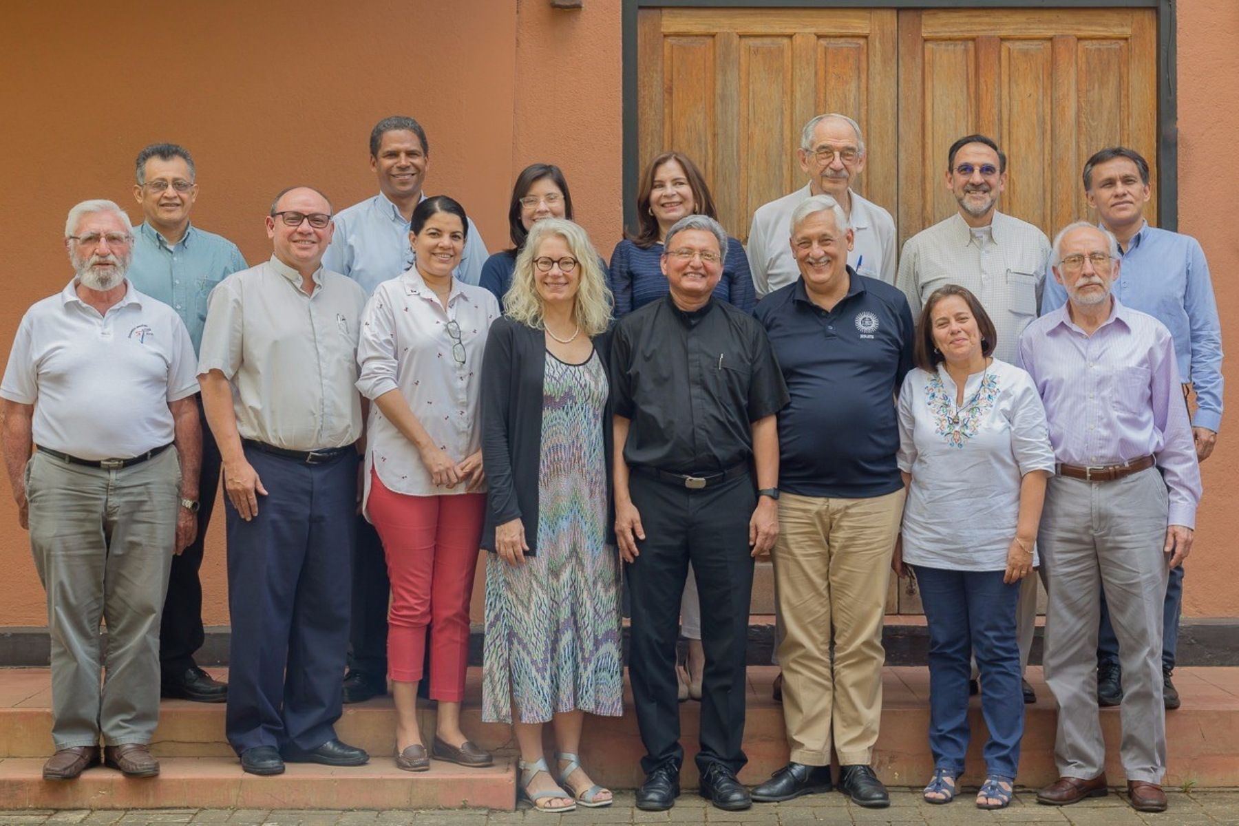 Dr. Serena Cosgrove, UCA President Father Chepe, members of UCA cabinet, and Superior General of the Society of Jesus, Father Arturo Sosa